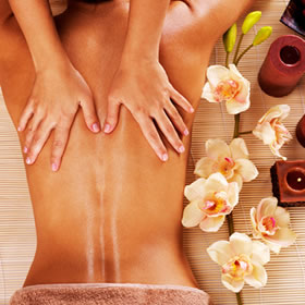 séance-massage-ayurvedique-abhyenga-grenoble-isere-art-thérapie-aquadanse-thérapie-aquayoga-woga-guadeloupe-aquarelax-sonore-stage-sejour-plonger-en-soi-gilani-july-toujan-12